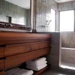 Фото 20: Деревянный кафель для ванной комнаты