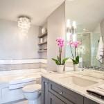 Фото 22: Светлый кафель для ванной комнаты