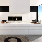 Белая кухня в минималистичном стиле