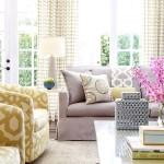 Фото 57: Фиолетовый диван в гостиной