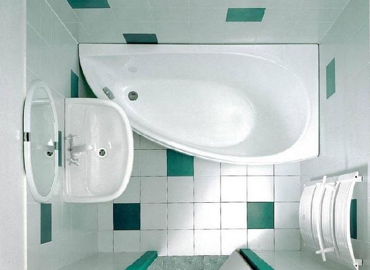 Угловая ванна экономит рабочее пространство ванной хрущевки без снижения комфортности эксплуатации