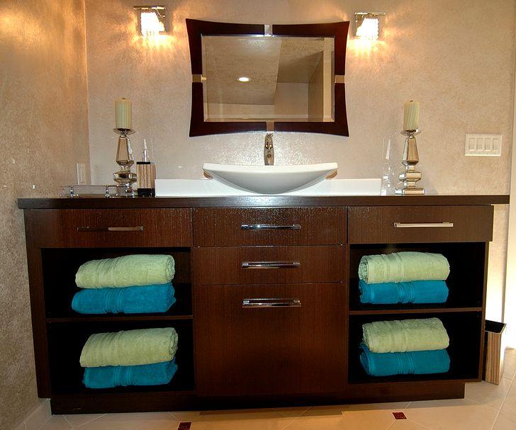 Шкафчики для ванной с полотенцами