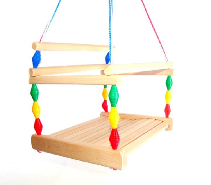 Детское сиденье должно обладать максимальной безопасностью для юного пользователя