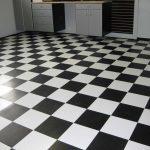 Фото 19: Черно-белая напольная плитка