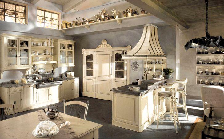 Красивая светлая мебель на кухне