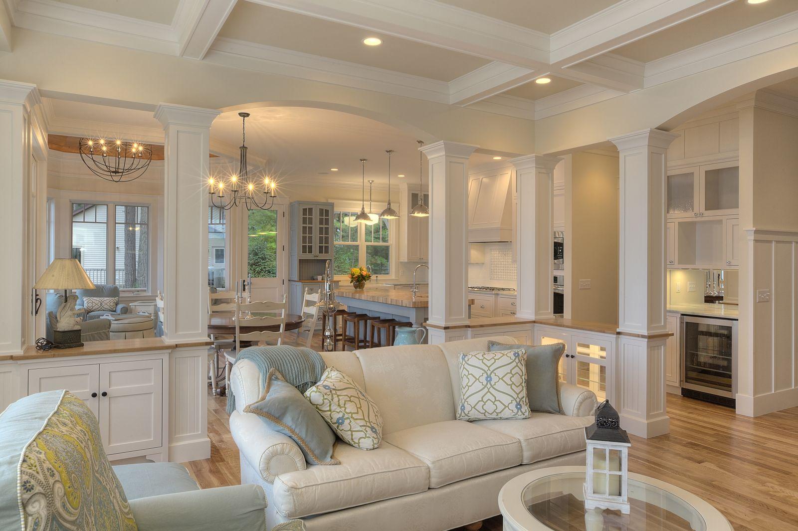 Перегородки в классическом стиле в большой квартире