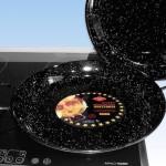 Фото 37: Черная в крапинку кастрюля для приготовление паэльи на плите
