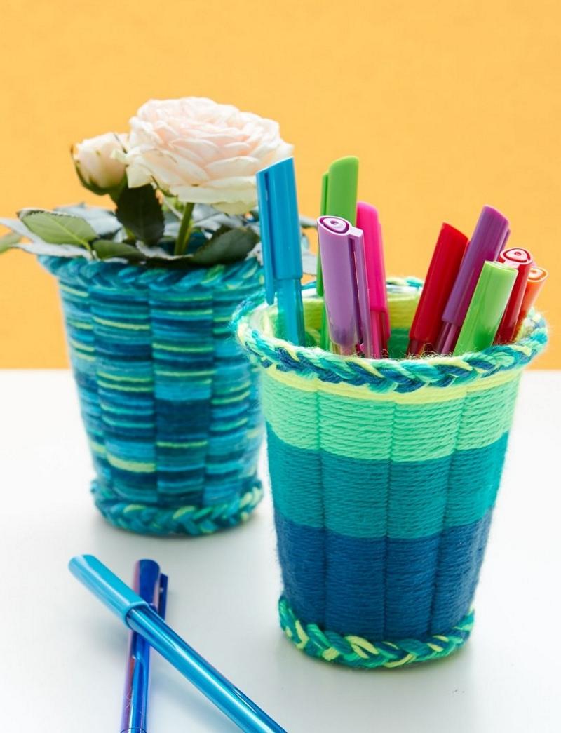 Стаканчики для ручек и кашпо из пластиковых стканчиков