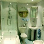 Фото 44: Отделка ванной пластиковыми панелями