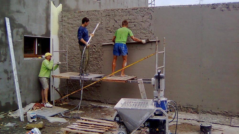 Штукатурка фасада перед отделкой клинкерной плиткой