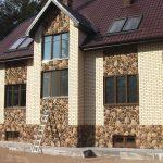 Фото 48: Выделени зон фасада дома клинкерной плиткой