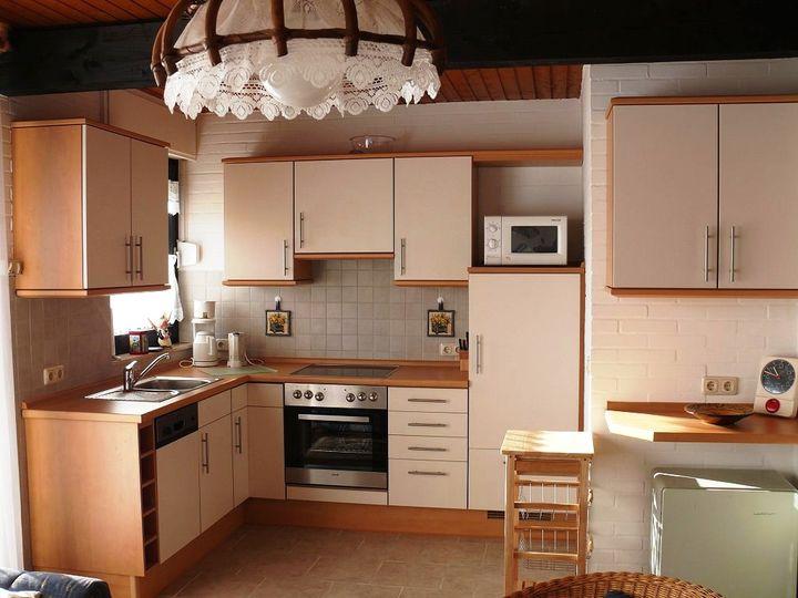 маленькая угловая кухня 9