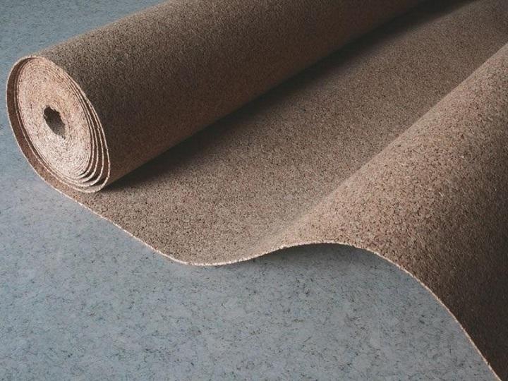 Пробковая подложка для ламината является оптимальным вариантом для увеличения шумоизоляции