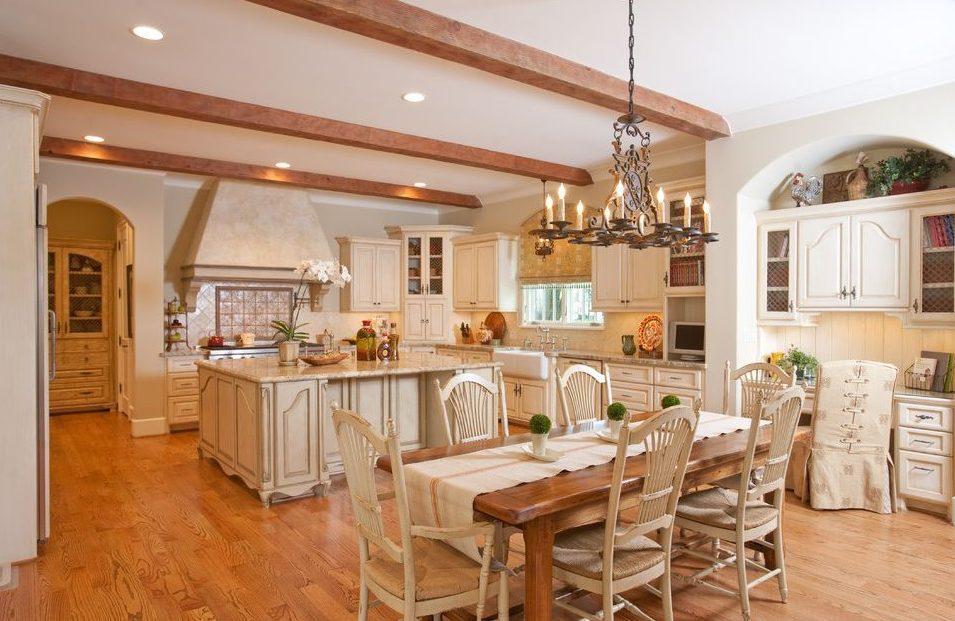 Дизайн кухни-студии в стиле кантри