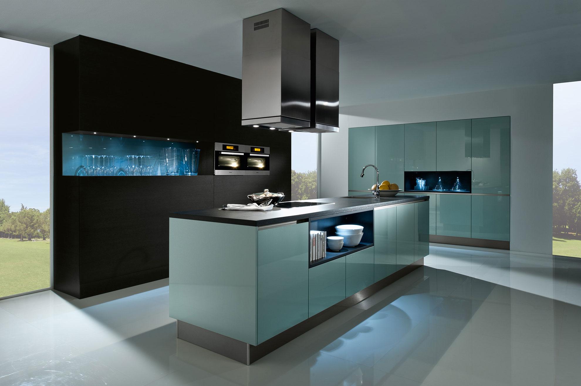 Кухня в стиле хай тек с подсветкой