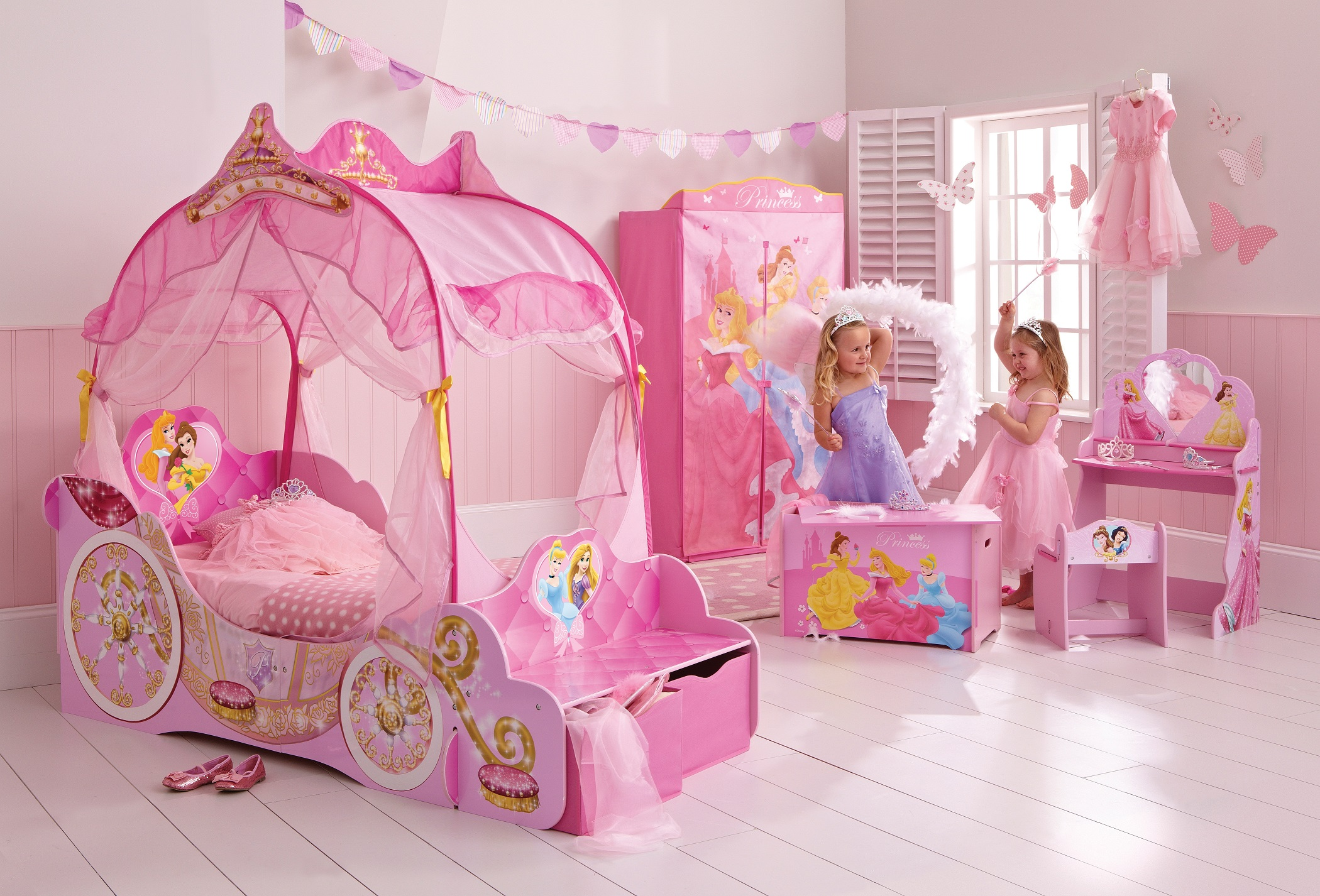 Комната для девочки с принцессами