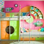 Разноцветная комната для девочки