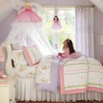 Фото 68: Спальная зона в детской для девочек