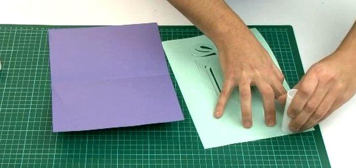 Склеивание двух частей открытки