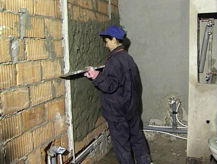 Выравнивание стены штукатуркой своими руками 147