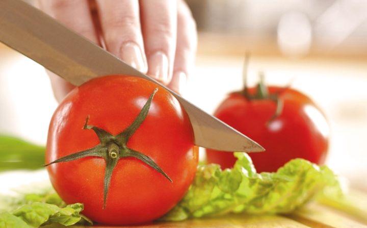 томаты на кухне