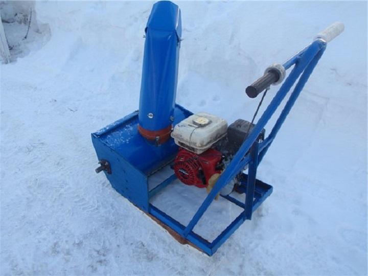 Самодельный снегоуборщик с ременной передачей