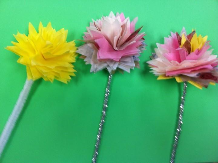 Создаем букет из цветов из салфеток