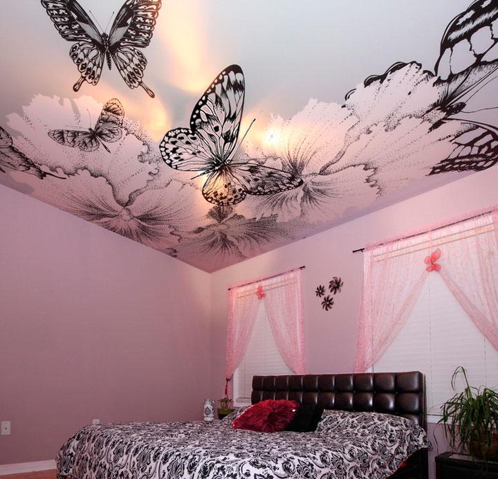Потолок с бабочками