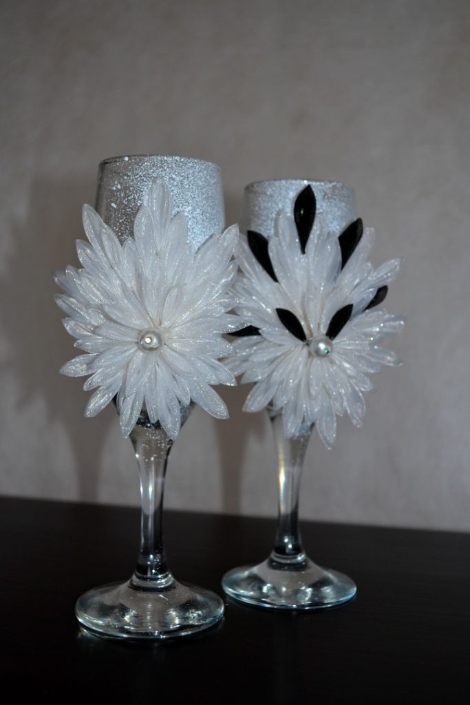 свадебные бокалы своими руками украшение