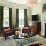 Фото 59: Шторы оливкового цвета в гостиной