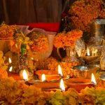 Фото 48: Ритуальное оформление бархатцами на празднике огня в Индии