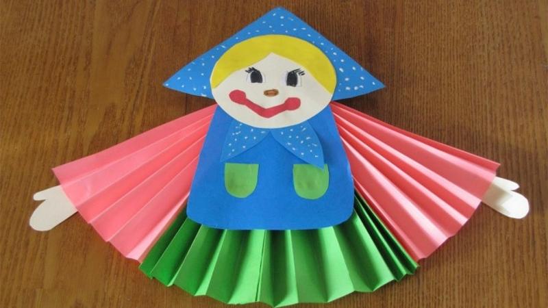 Сувенирная кукла -масленица из бумаги