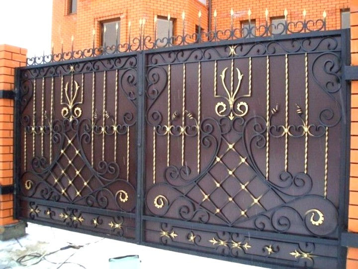 Кованые ворота и калитки.