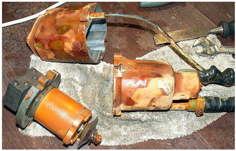 Вибрационный насос легко разбирается и ремонтируется самостоятельно