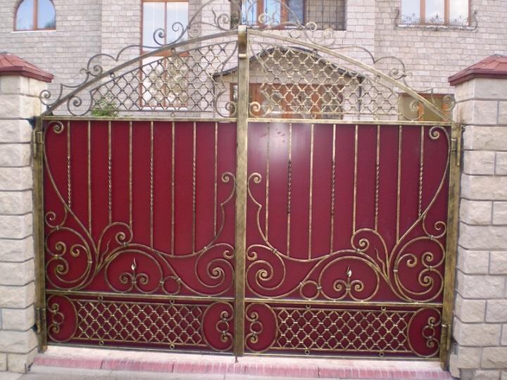 Кузнечная краска для кованых элементов ворот и калиток