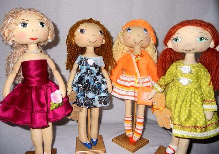 Куколки на подставках