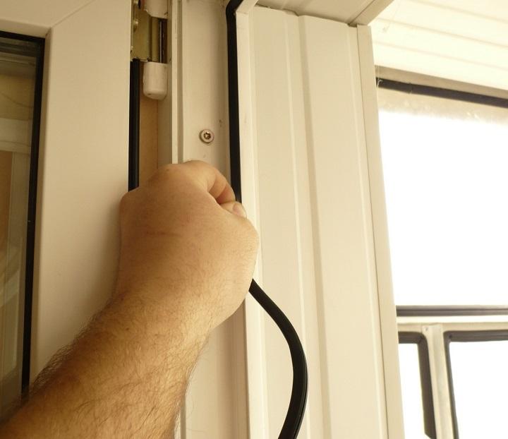 Контур уплотнения металлопластиковой двери