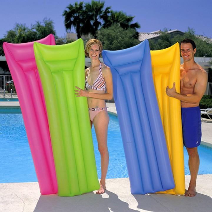 Надувные матрасы для плавания2