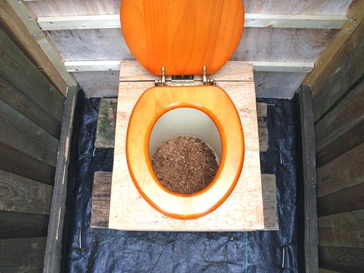 Слив или подача воды в бане зимой 23