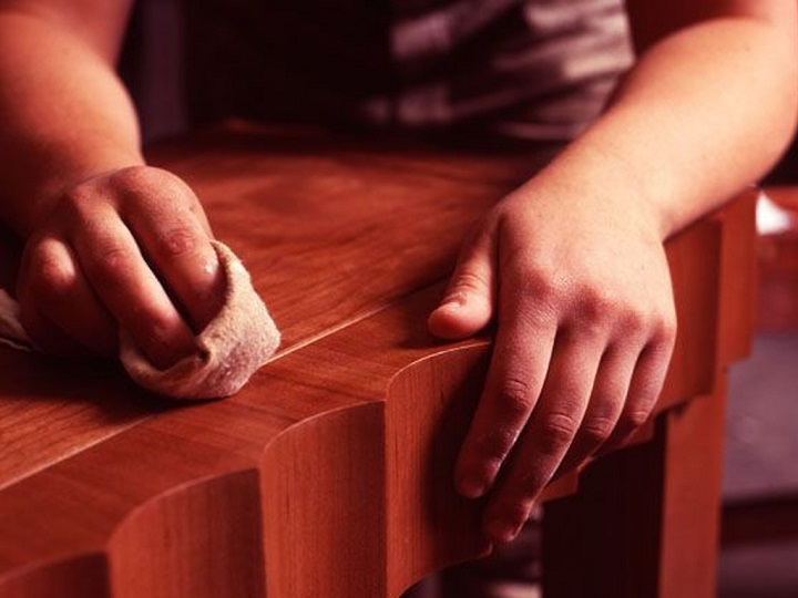 Обработка мебели сложной конфигурации самоклеящейся пленкой
