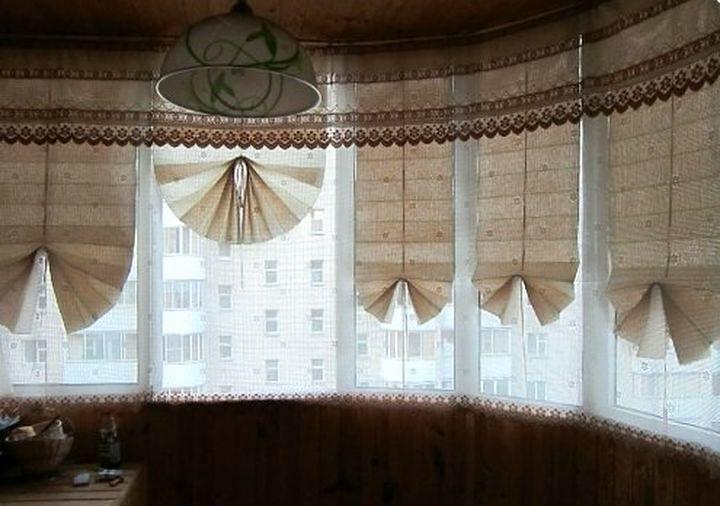 Декорирование больших окон балкона