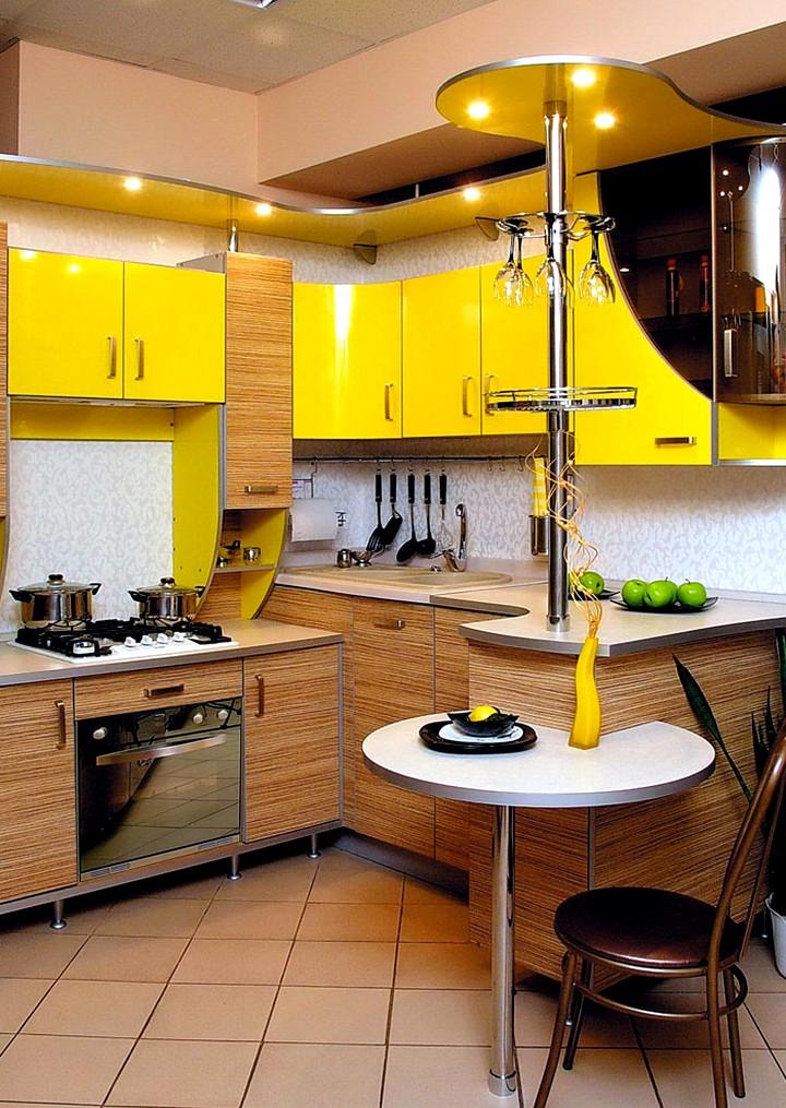 Встроенные столы на кухне