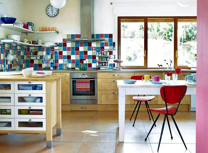 Плитка для кухни на фартук в ярких тонах