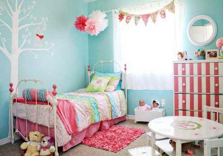 Детская комната в мятных тонах