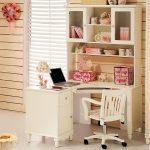 Фото 72: Угловой рабочий стол для девочек