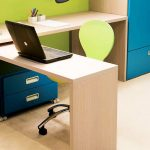 Фото 35: Письменный стол с выдвижной столешницей