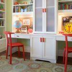 Фото 36: Письменный стол с полками для двух детей