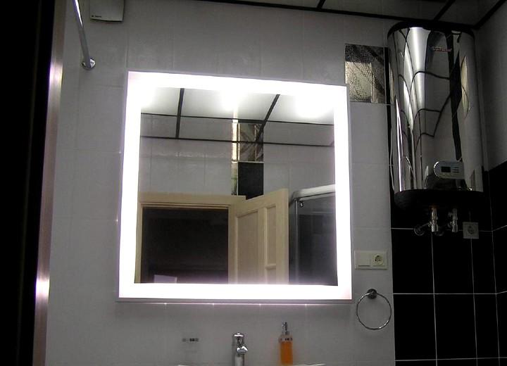 Зеркало в ванную комнату с подсветкой