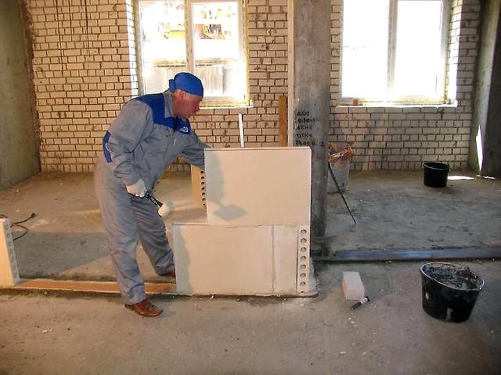 Преимущества пазогребневых гипсовых плит при монтаже