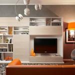 Уютная небольшая гостиная в светлых тонах